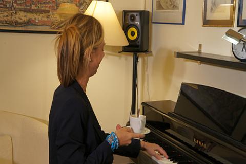 Klavierunterricht mit Kaffee? Kann auch sehr zu einer entspannten Athmosphäre beitragen!